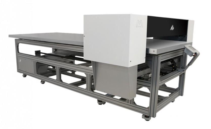 Широкоформатный планшетный УФ-принтер UV Matrix Azonprinter