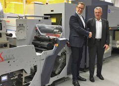 Гельмут Мюнтер (Helmuth Munter), сегмент-менеджер подразделения Durst Labels & Packaging Printing и Марко Калкагни (Marco Calcagni), директор по продажам и маркетингу в Omet