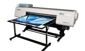 УФ-принтер Fujifilm Acuity 1600 LED с приставными столами для работы с листовыми материалами