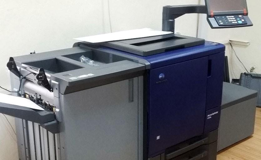 Цифровая печатная машина Konica Minolta AccurioPrint С3070L в демозале Initpress Digital