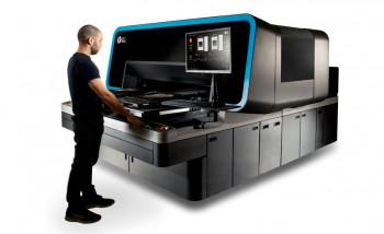 Струйный принтер для печати по одежде Atlas производства Kornit Digital