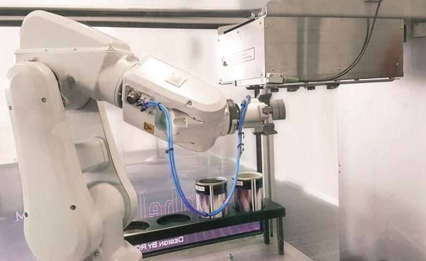 OPM Europa разработала роботизированный струйный принтер и призывает отказаться от этикетки