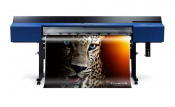Roland выпускает новую серию широкоформатных принтеров-каттеров TrueVIS VG2