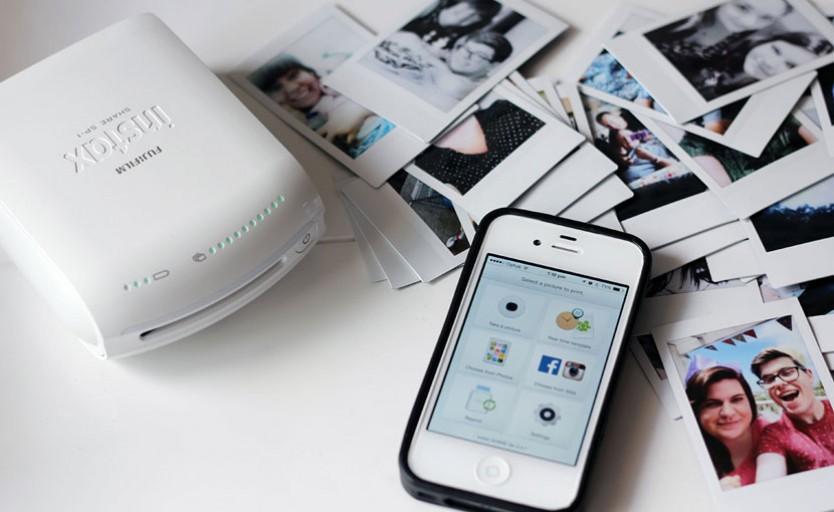 Предыдущая версия портативного принтера Fujifilm – instax SHARE Smartphone Printer SP-1