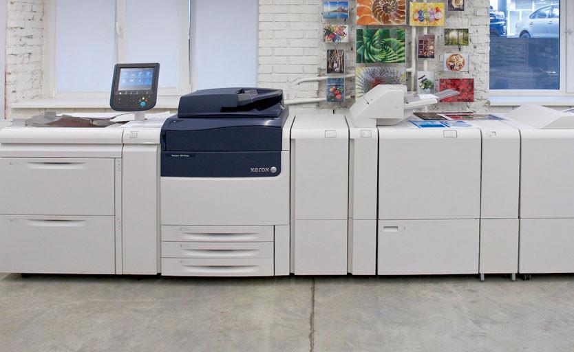Xerox Adaptive CMYK+: блестящие возможности для компактных ЦПМ