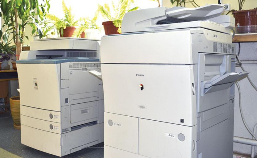 Основу печатного парка издательства Дальневосточного государственного медицинского университета составляют устройства цифровой печати от компании Canon — как полноцветные, так и монохромные