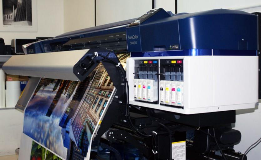 Экосольвентный принтер Epson SureColor SC-S60610 в московском демо-центре Epson
