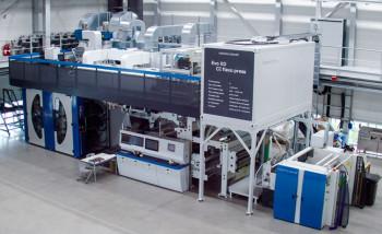 В демо-центре Koenig & Bauer устанавливают широкорулонную флексомашину