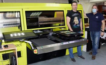 В компании «Макспринт» установлен первый в России промышленный DTG-принтер Aeoon Compact
