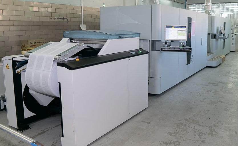 """Основой парка печатного оборудования типографии """"Паблит"""" является рулонная цифровая печатная машина Océ ColorStream"""