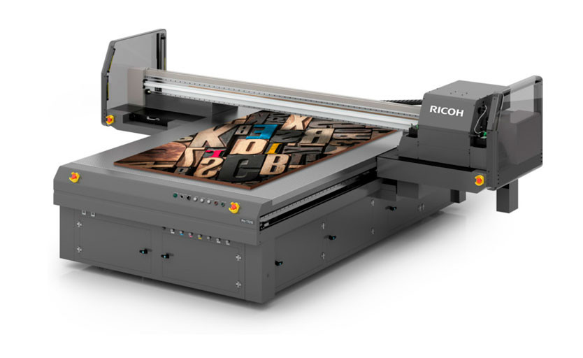 В типографии «Дамми» запустили первый в России планшетный УФ-принтер Ricoh Pro T7210