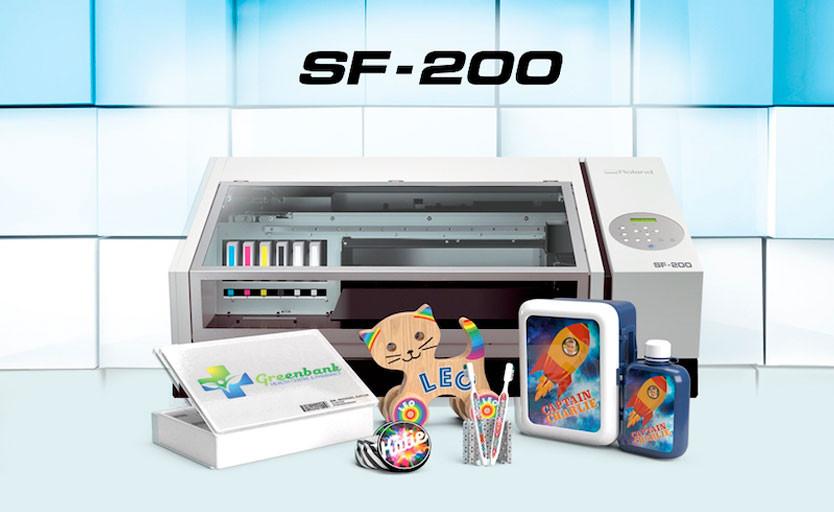 Roland DG выпустила настольный эко-сольвентный принтер SF-200