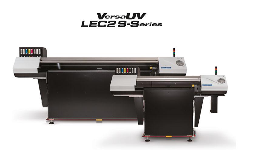 Roland DG представила новую серию планшетных УФ-принтеров VersaUV LEC2 S-Series