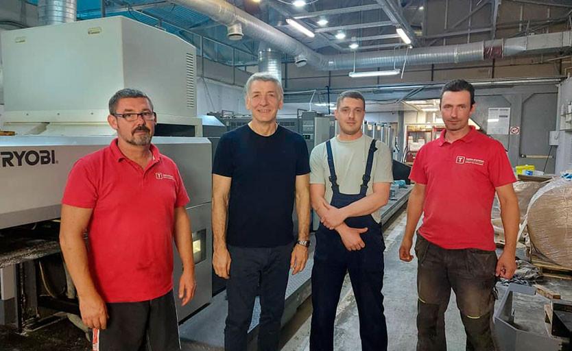 Второй слева — генеральный директор типографии «Рубикон» Игорь Крыль