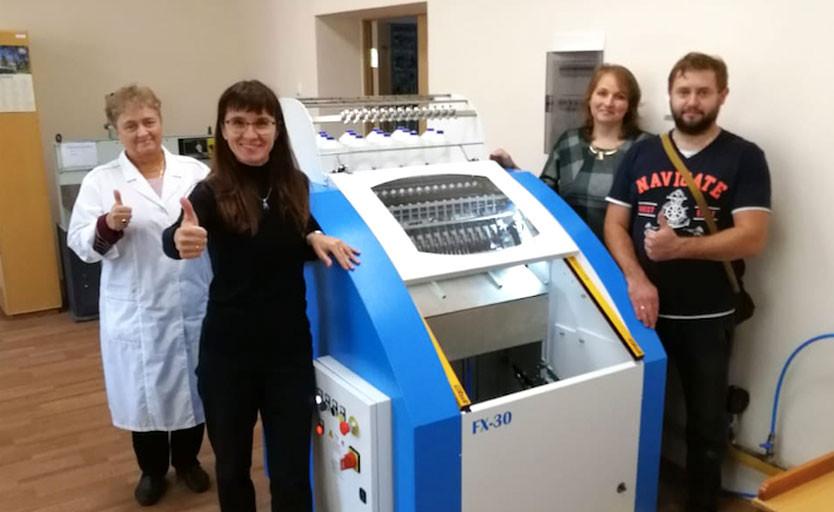 Новая ниткошвейная машина Smyth FX-30 запущена в Дубне