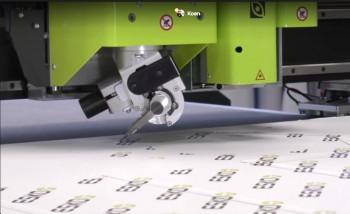 Kongsberg разработала новый инструмент VariAngle для своих режущих плоттеров. В нем угол наклона ножа меняется автоматически