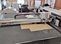 В РПК «Сувенирная мастерская» установлен планшетный режущий плоттер iEcho